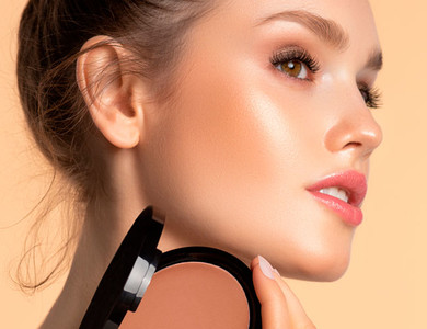Learn how to apply bronzer in our ARTDECO makeup tips