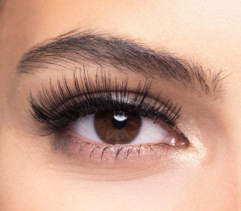 Voher/Nachher-Effekt bei künstlichen Wimpern